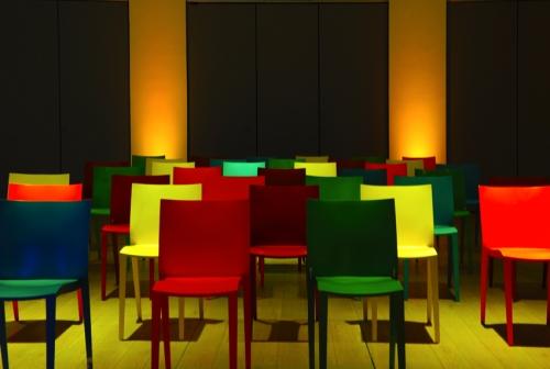 chaise slick slick location chaise design philippe starck vachon d coration. Black Bedroom Furniture Sets. Home Design Ideas